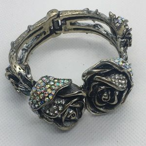 Beautiful Flower Crystal Bracelet